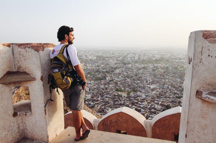 Im November 2013 entschloss sich Lukas Sommer seinen Schreibtisch in Berlin zu verlassen. Hier berichtet er von seinem 1. Jahr auf Weltreise.
