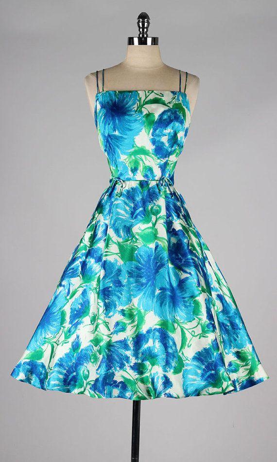 vintage 1950s dress . silk floral print . by millstreetvintage
