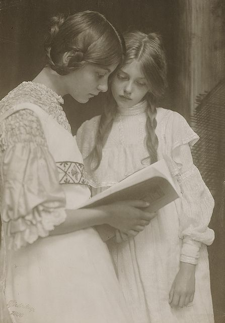Gertrude and Ursula Falke 1906 by Art & Vintage, via Flickr