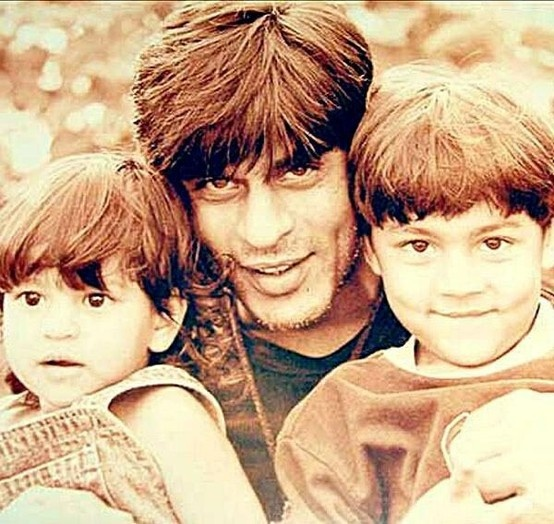 Shah Rukh Khan with his kids Aryan and Suhana.