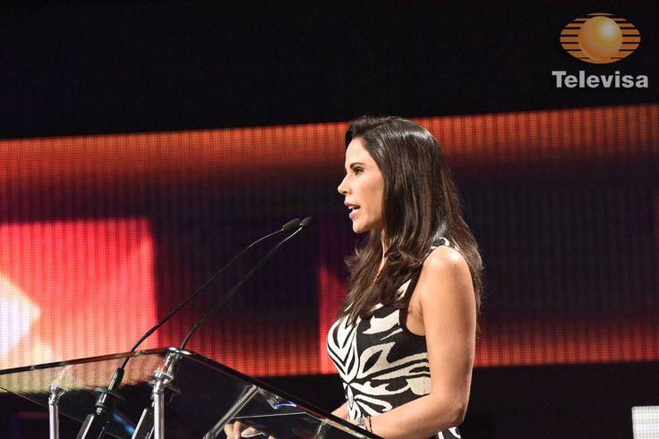 ¡El profesionalismo de Paola Rojas se hizo presente en la Olimpiada Mexicana de Historia! - Televisa