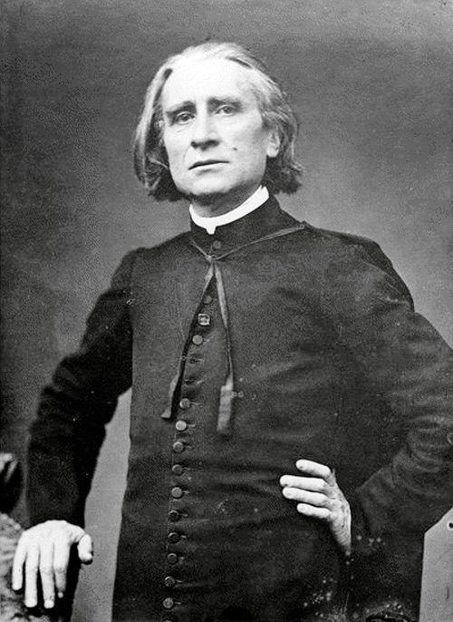 Franz Liszt, compositor austro-húngaro, pianista, profesor y director de orquesta.