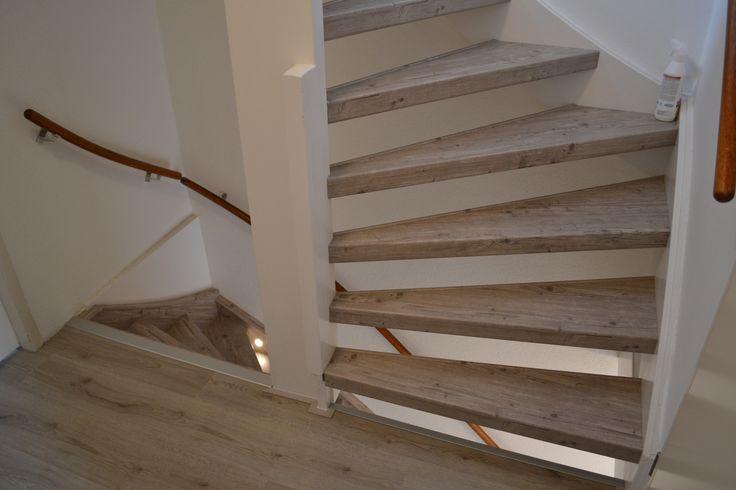 Open trap rondom bekleed met HPL Vintage
