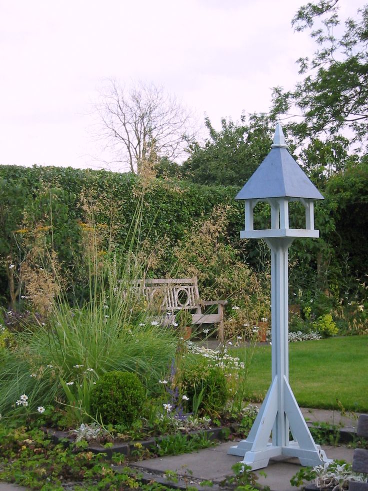 Stipa gigantea and bird table