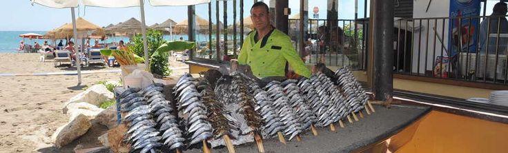 No te puedes ir de Málaga sin probar los espetos de sardinas
