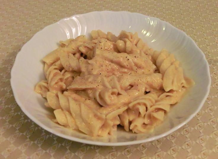 Gluten-free fusilli pasta with Mediterranean tuna, ricotta and orange citrus sauce - Fusilloni senza glutine al sugo di tonno, ricotta e arancia