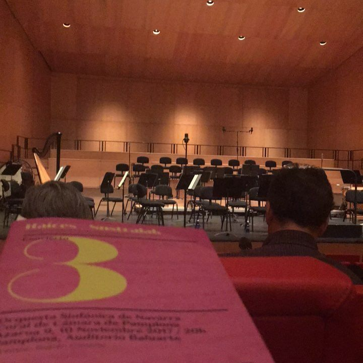 Noche de concierto sinfonico #orquestasinfonicadenavarra #pamplona#iruña#coraldecamaradepamplona #baluarte#auditorio#concierto#orquesta#coro#coral#camara#solistas#katterox#behappy#bekatterox