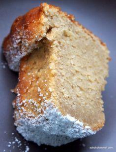 Apfelmus-Joghurt-Gugelhupf  von:Schokohimmel  Hier geht's um:Kuchen    ... ein saftiger Apfelmus-Gugelhupf  Zutaten  180 g weiche Butter160 g brauner Zucker160 g weißer Zucker3 Eiergemahlene Vanille nach Geschmack340 g Apfelmus185 g Vanillejoghurt340 g Mehl50 g gemahlene Mandeln2½ TL Backpulver¾ TL Natron¼ TL Salz1 TL Zimt   schokohimmel