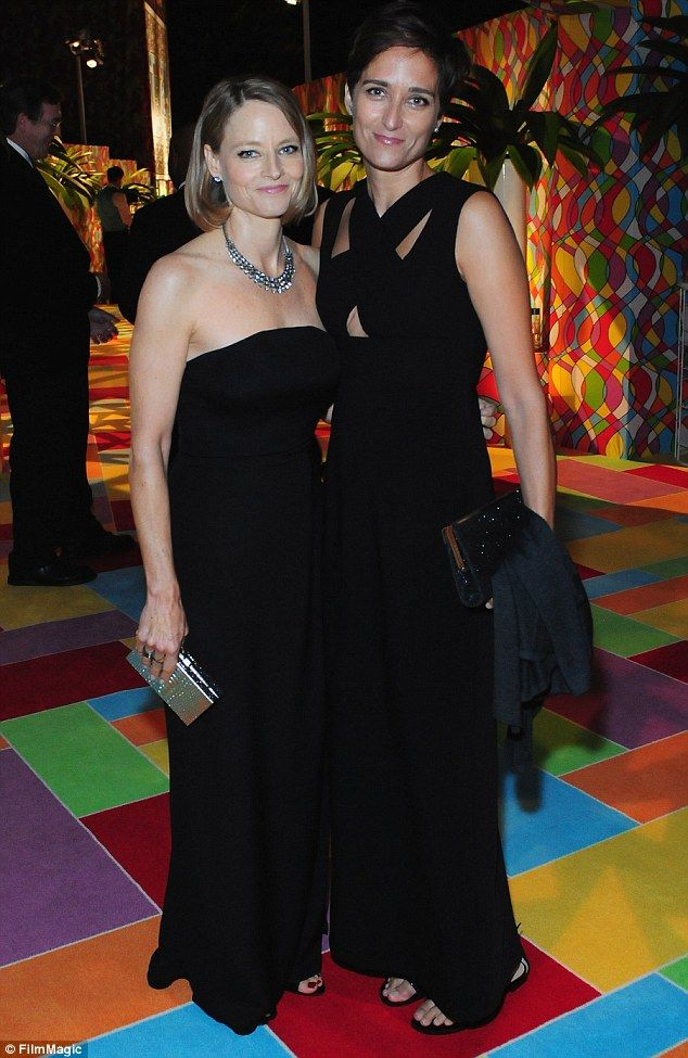 Black beauties! Jodie Foster and Alexandra Hedison