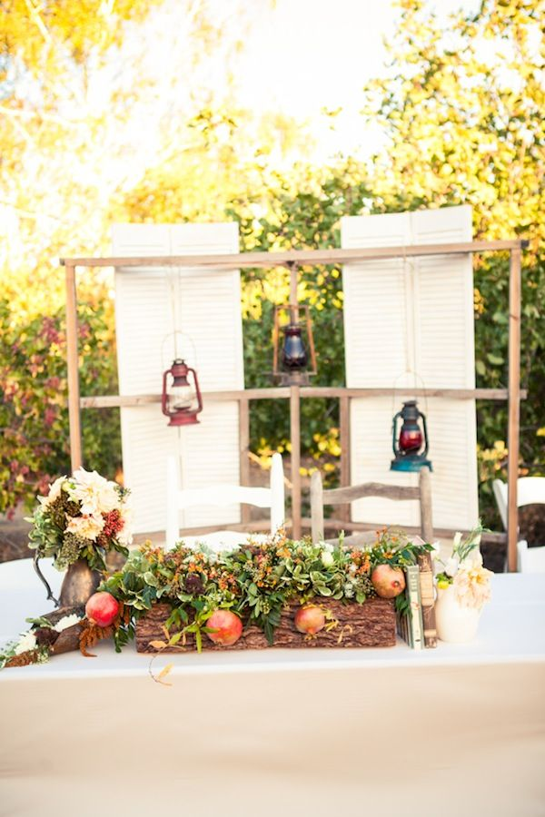 rustic vintage decor ideas // Tom & Rebecca | Paso Robles | Two B Events | Corey Nickols Photography | FleuriDeDi