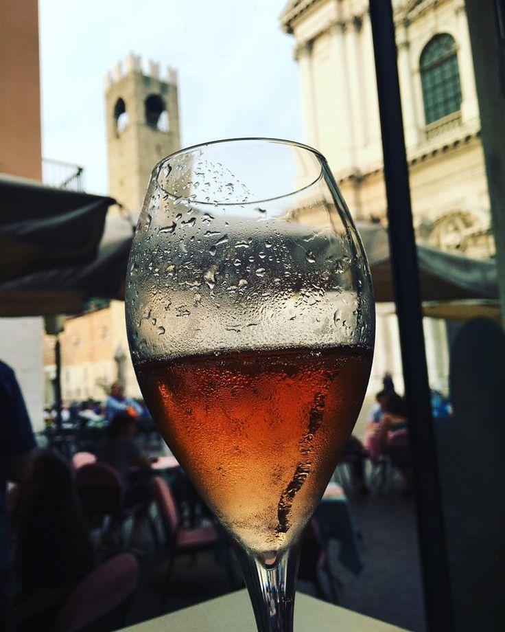 Rosè in Piazza Duomo a Brescia