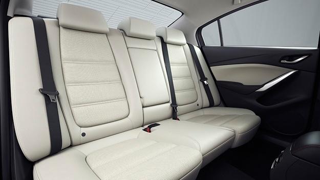 Mazda 6 Skyactive http://www.autorevue.at/best_of_test/modellvorstellung/mazda-6-kombi-limousine-testbericht-14-zu-1.html