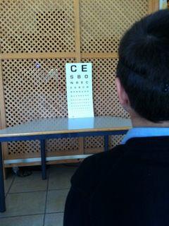 Los alumnos de Miralvent más pequeños han recibido la revisión de un optometrista con el fin de poder detectar alguna deficiencia visual y corregirla a tiempo.