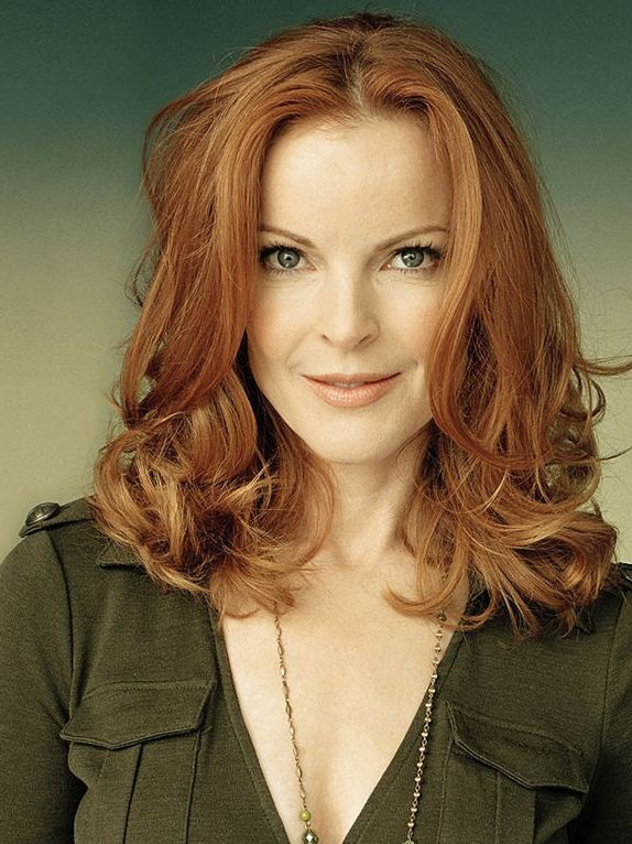 Red hair, marcia cross, kaki is red-haired's black!
