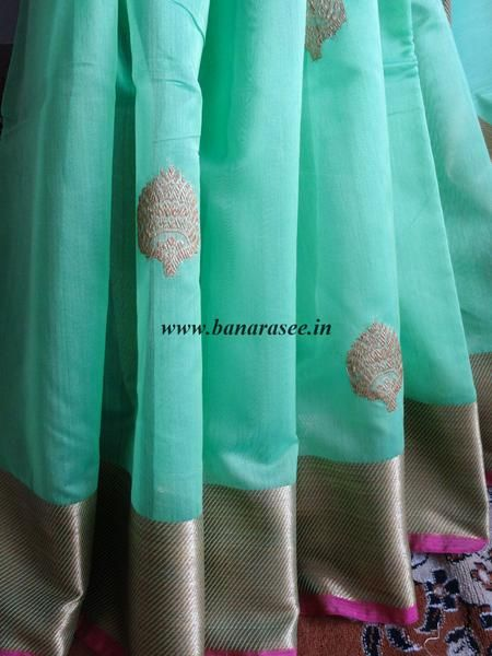 Banarasee/Banarasee Pure Silk Handloom Cotton Sari With Golden Border-Green