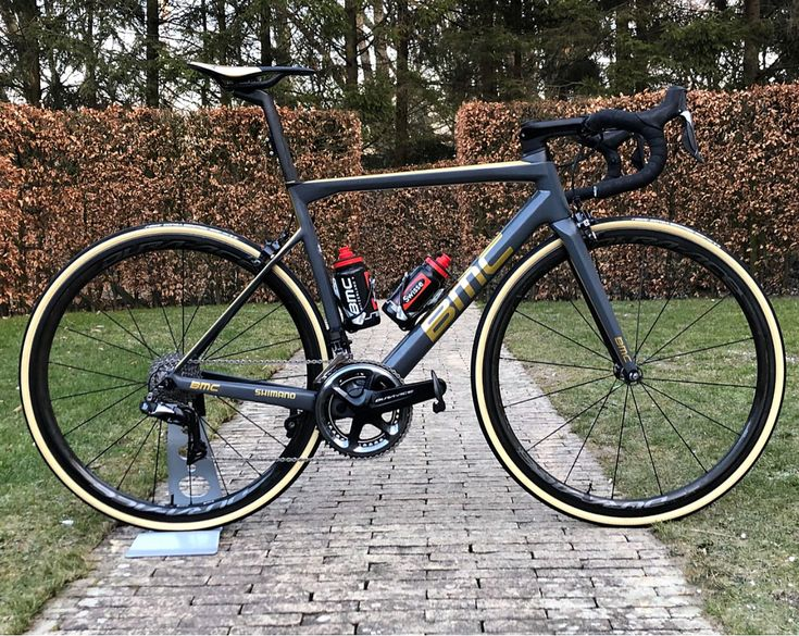 """3,371 Likes, 40 Comments - CYCLING NEWS TECH AND REVIEW (@pro_tour_cycling) on Instagram: """"Greg Van Avermaet's New fully custom BMC Team Machine for the cobbled classics to come this…"""""""