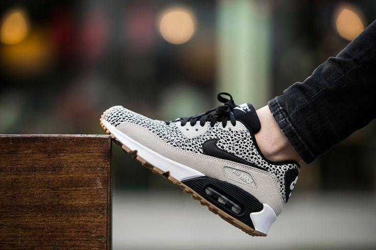 Nike Wmns Air Max 90 Premium Safari Pack (443817-102 . 83a88cc3a
