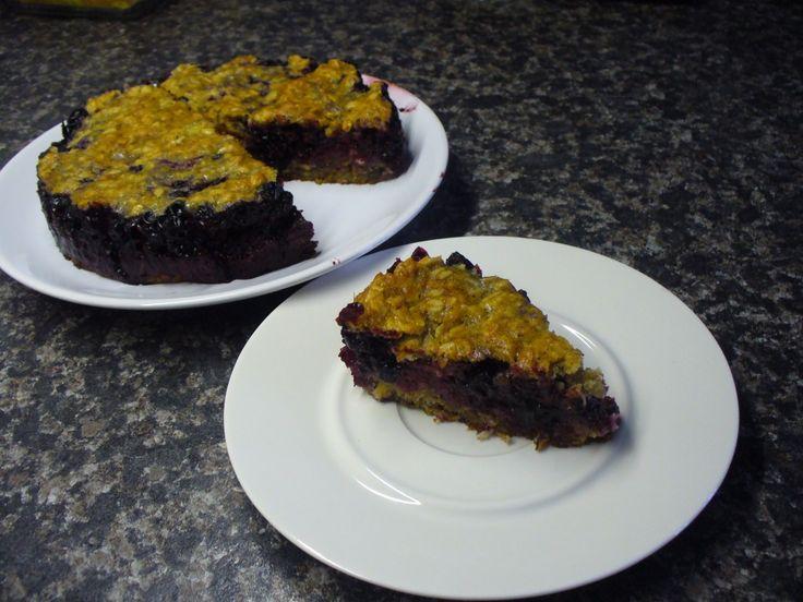 Jak upéct vločkový koláč s černým rybízem | recept
