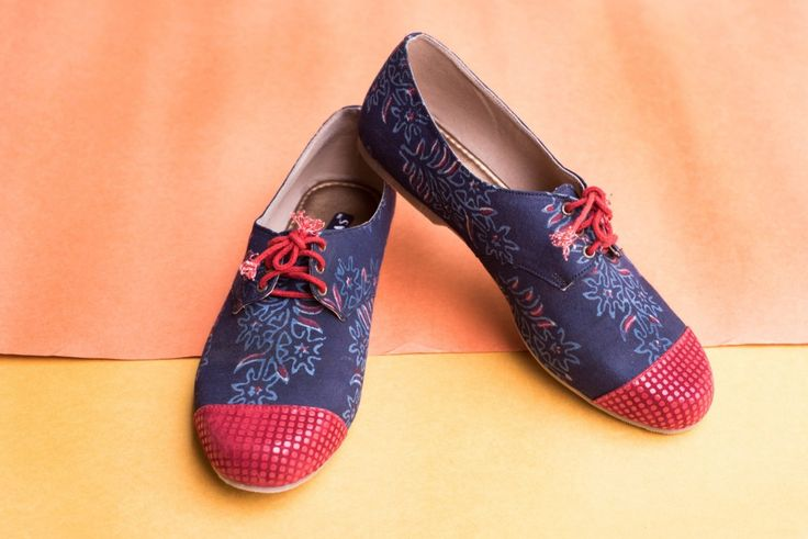 Red and Blue Oxfords Buy this from : https://www.instamojo.com/storeuntold/red-blue-brogues/