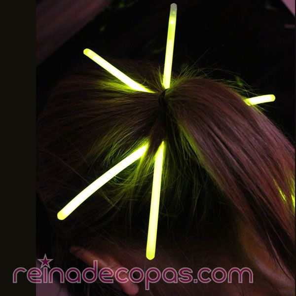 Otro uso para las pulseras luminosas..... www.reinadecopas.com