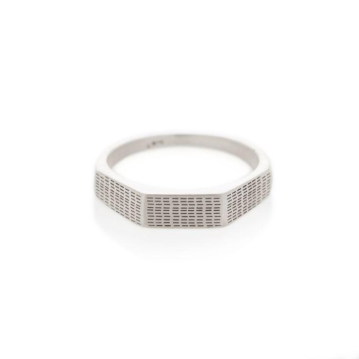 Horizontal rain three edge silver signet ring | Dear Rae | Online shop