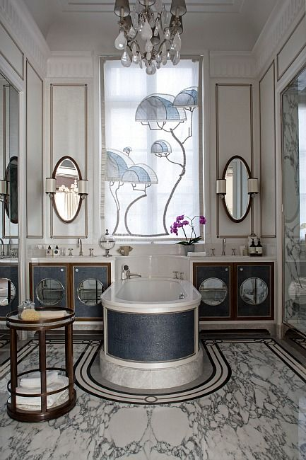 Bathroom, Ave. Montaigne, Paris - Luxury Apartment by Lou Delaney