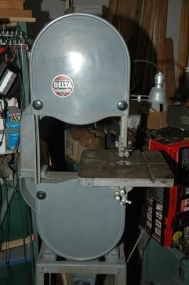 53 best delta milwaukee 14 inch bandsaw restoration info images on i purchased this vintage delta band saw from an estate sale in santa cruz ca the serial number on the saw indicates that it was manufactured in milwaukee keyboard keysfo Gallery