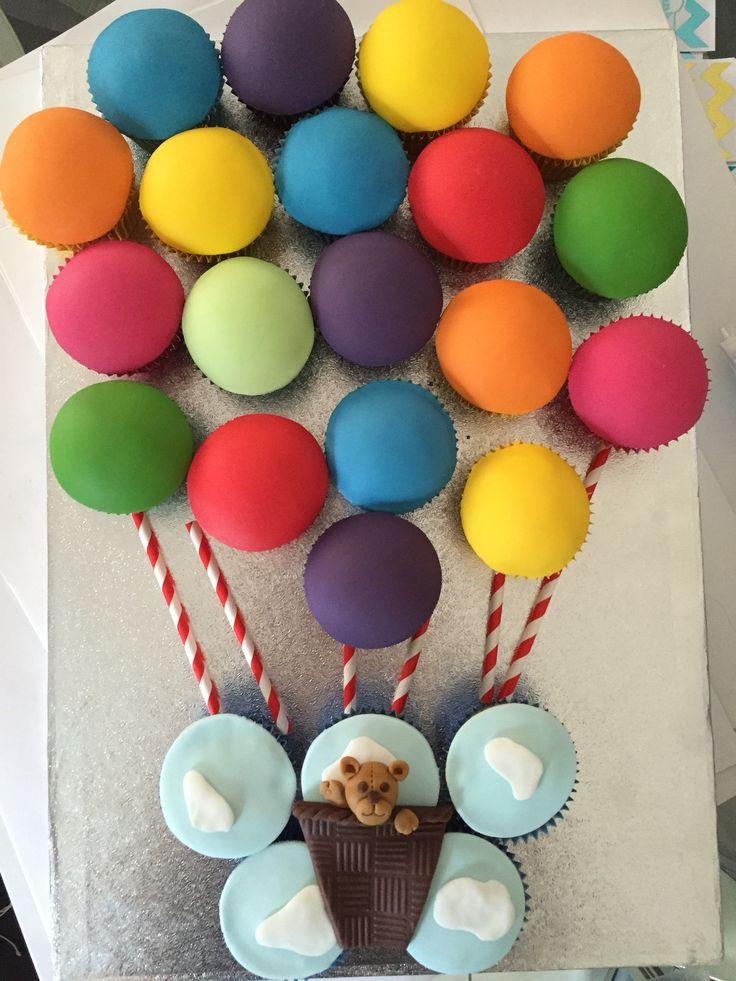 Teddy hot air ballon cupcake birthday cake - children's party
