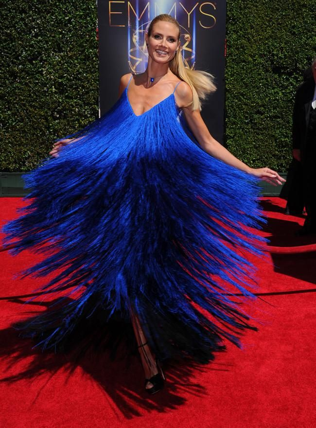 Heidi Klum espectacular o cómo dar vueltas como una peonza para lucir modelito