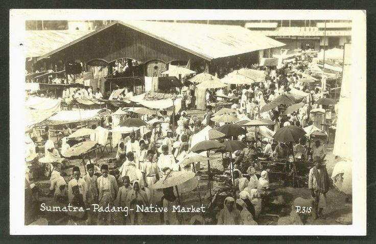 Native Market at Padang Sumatera ca 1930