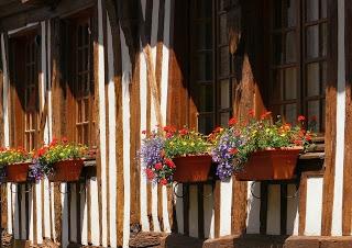 calendrier de la Communauté de Communes Lisieux et Pays dAuge du 12 au 28 avril 2013 | Le Domaine du Martinaa