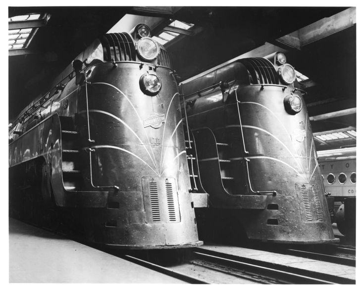 """The Chicago and North Western Railway's E-4 type streamliners, which headed the """"Overland Limited"""" and """"Challenger"""" trains between Chicago and the West Coast, stand in the Chicago Passenger Station."""