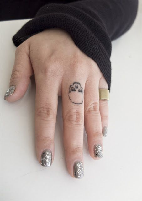 This made me think of you, Maggie. Miss u friend! finger skull tattoo.