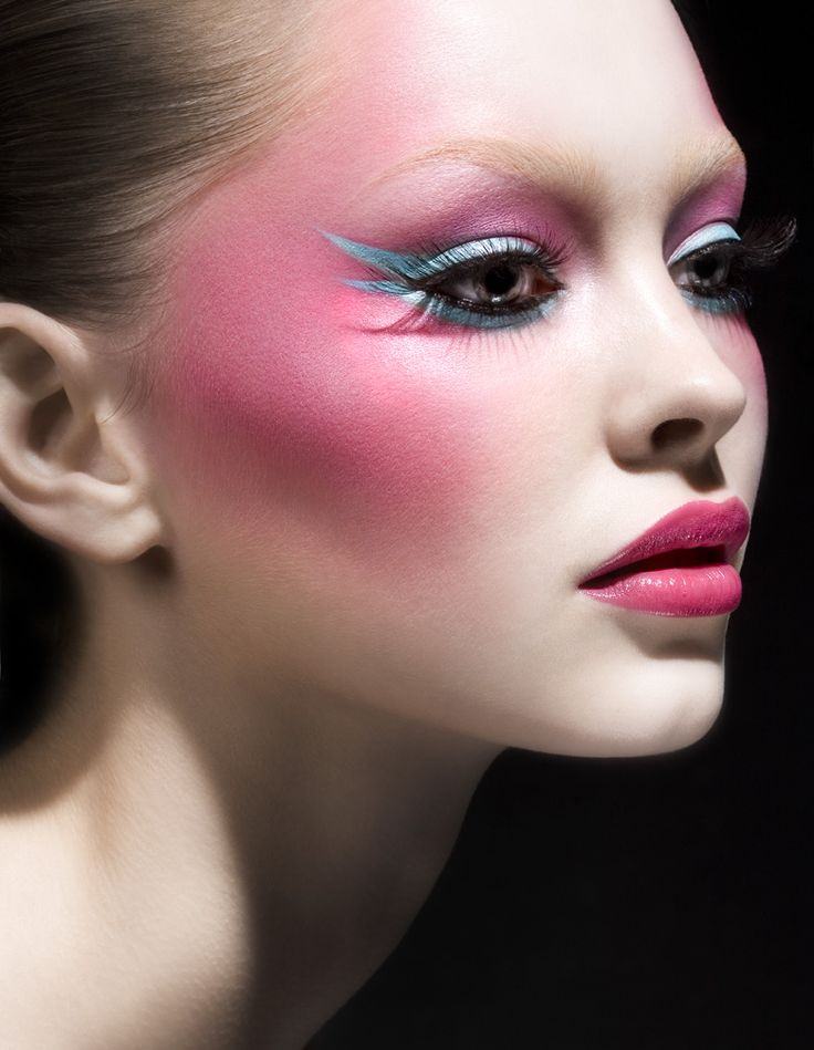 blue-pink-makeup-beautyFantasy Makeup, Eye Makeup, The Face, Makeup Tips, Beautiful, Pink Makeup, Fairies Makeup,  Lips Rouge, Blue Eyeliner