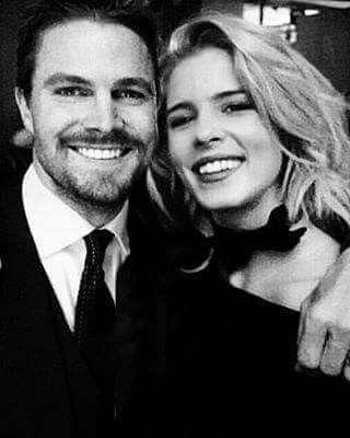 Emily Bett Rickards & Stephen Amell | Arrow