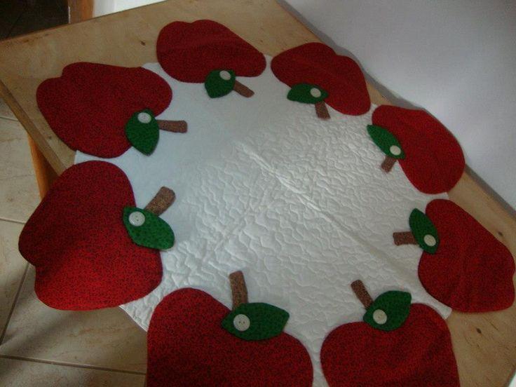 Confeccionada com tecidos 100% algodão, quiltada com a técnica patchwork 3D