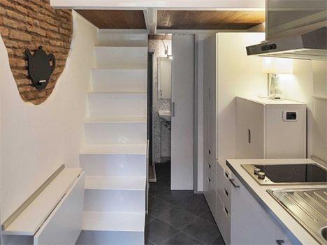 Amazing 7 m2 tiny studio in Rome, by architect Marco Pierazzi