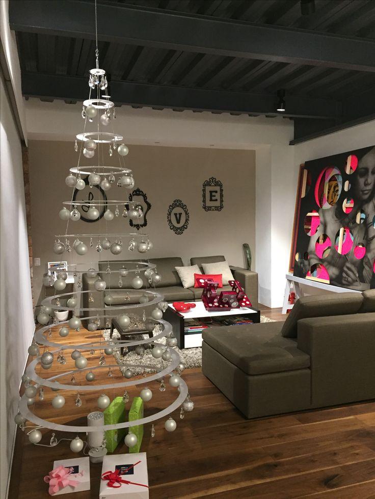 #deckthehalls #christmas #decorate #christmastree #decorating #christmascelebration #december #hohoho #happychristmas #christmasdecorations #merrychristmas #festive #celebrate #holiday #hannukah #feliznavidad