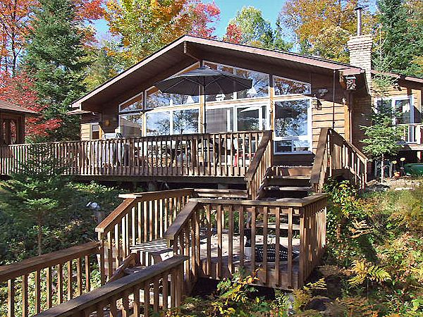 Gooderham Lake 7 located in Haliburton Highlands.  Close to Gooderham Village and 15 minutes from Haliburton Village.  Comfortably furnished cottage, sandy bottom shoreline, great fishing and sleeps a maximum of 8.