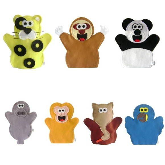 FANTOCHE ANIMAIS EM EXTINÇÃO - Abracadabra Fantoches    ITENS: 7 FANTOCHES ( panda, peixe-boi, arara-azul, onça-pintada, mico-leão-dourado, tamanduá-bandeira e bicho-preguiça).  DESCRIÇÃO: Fantoches com o tema animais em extinção.    MATERIAL: Feltro e linha.  DIMENSÕES: 24 x 29 cm, em média cada.  EMBALAGEM: Saco de celofane transparente fechado com adesivo.  DETALHES: 100% de costura à máquina. Pode haver variação de tons e cores.    PRAZO DE ENVIO: Sob consulta. R$ 73,00