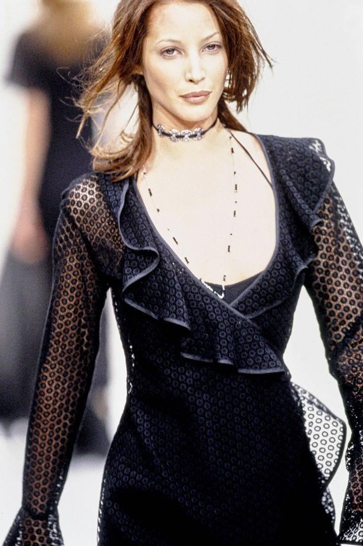 Perry Ellis Spring 1993 Ready-to-Wear Fashion Show - Model: Christy Turlington Burns