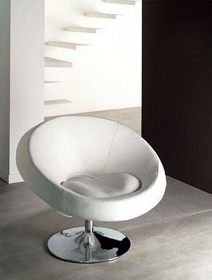 Muebles modernos:tenemos una silla con base móvil. Este sillón George Mortimer permite una gran comodidad y puede ser usado para realizar entrevistas o para ofrecer comodidad a las personas que se encuentran esperando en la oficina. Su diseño es minimalista y moderno.