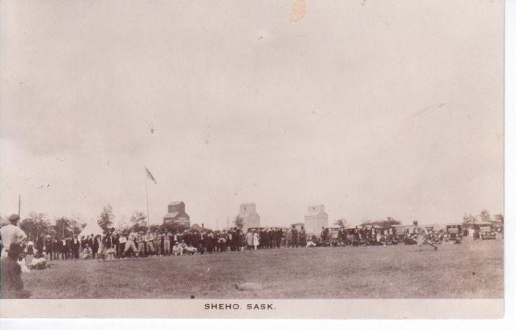 A ball game in Sheho SK. - Vintage Saskatchewan - Photos - SaskPhotos.ca