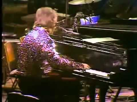 Ten Albums That MUST Be On My iPOD if I Was STUCK ON THE MOON: Rocket Man - Elton John 1972.wmv