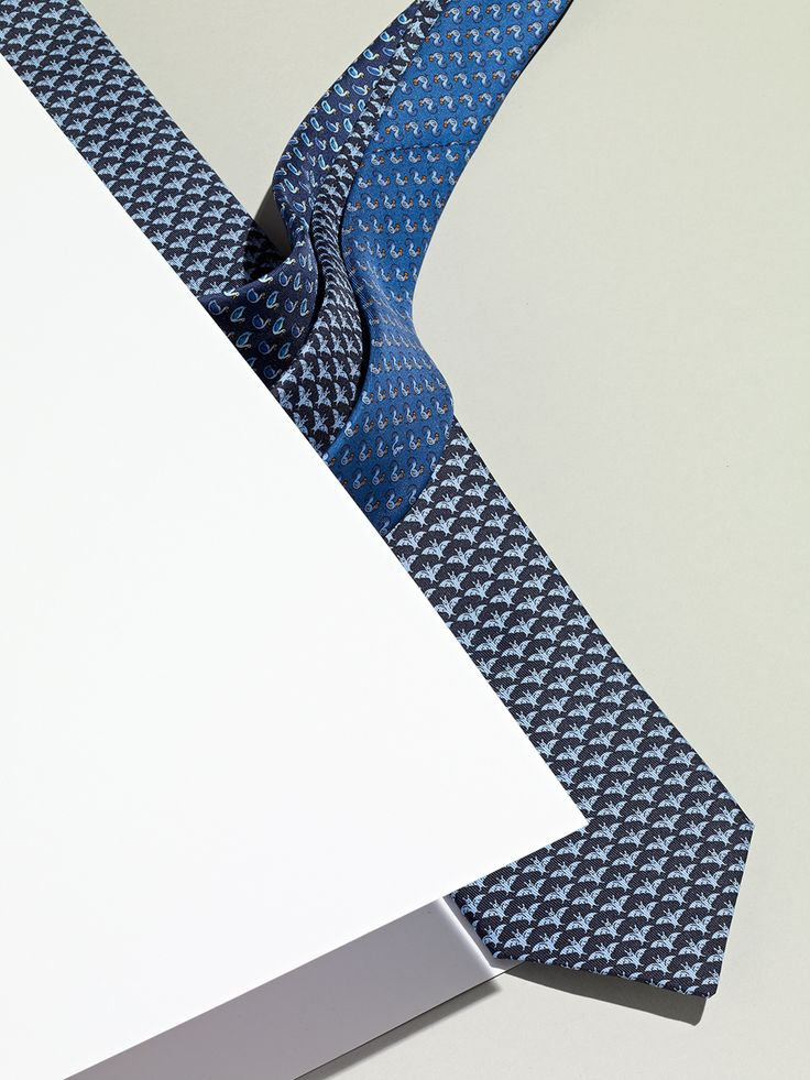 tie display | #visual #merchandising