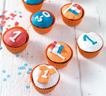 Kleurrijke WK cupcakes - Recept - Jumbo Supermarkten