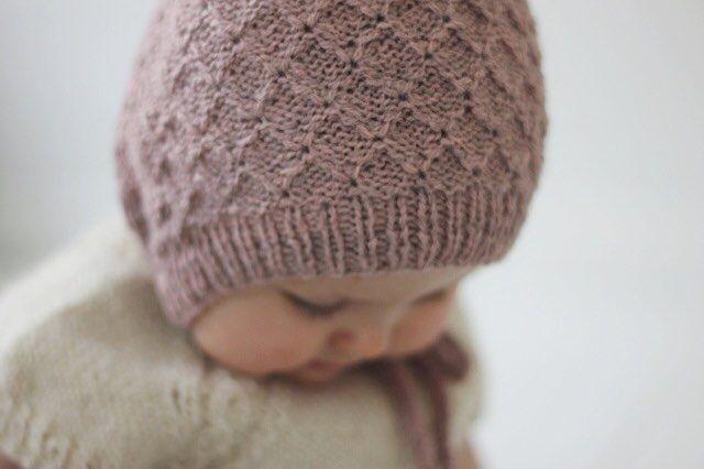 Detaljer ♢♢♢ #vilmasbabyhue #elisevest #finest_strik #strikkemamma #strikkedilla #strik #strikk #striktilbaby #babystrik #babystrikk #babyknits #knittersofinstagram #knitting #knit #knitforyourkid #knitaddict #knitspiration #barnestrikk