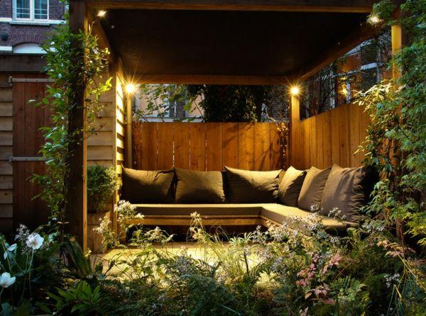 Hinterhof Gartengestaltung couch idee  Gartengestaltung ...