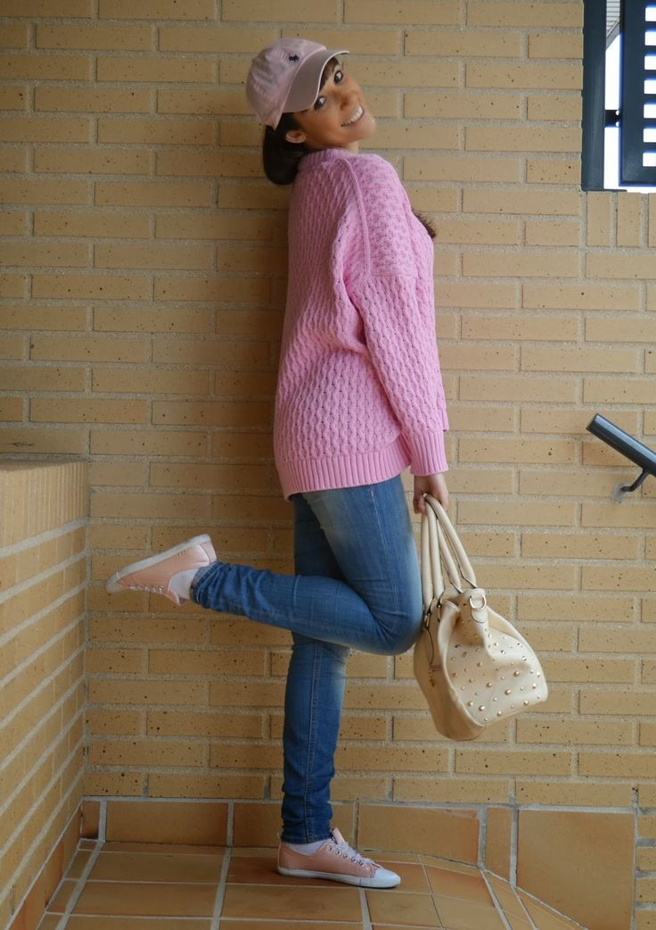 PINK AND COMFY OUTFIT 24-2-2014  Cap: Ralph Lauren Maxisweater: Zara Jeans: H&M Sneakers: Primark Handbag: Aliexpress