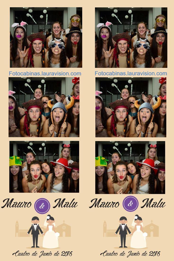 Brindamos el placer de disfrutar tu fiesta plenamente logrando las mejores fotos cuando alquilas una fotocabina que entrega todas las fotos que desees en segundos. #alquiler de fotocabinas # photocall # fotocol # photocabinas # eventos Cartagena # recordatorios para bodas